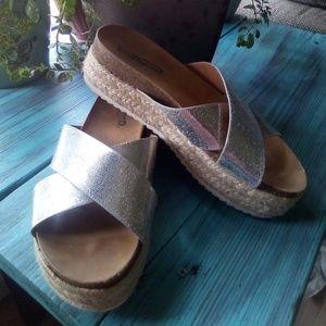 Unr8ed Sandals